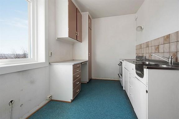 Kjøkken høyre. Foto: Finn.no